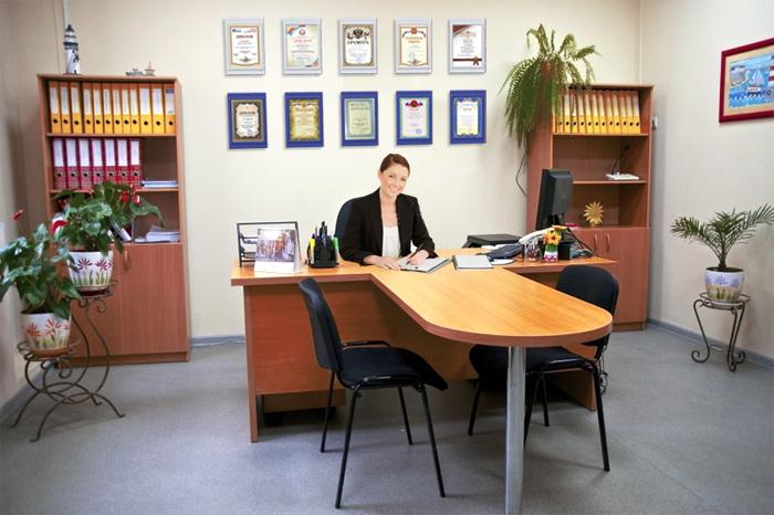 Оформление кабинета. Рамки для дипломов и грамот